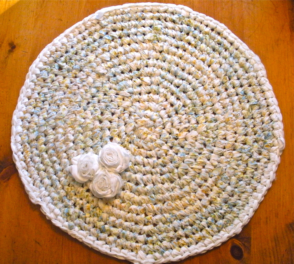 How To Make An Upcycled Crochet Rug Upcycle Magazine